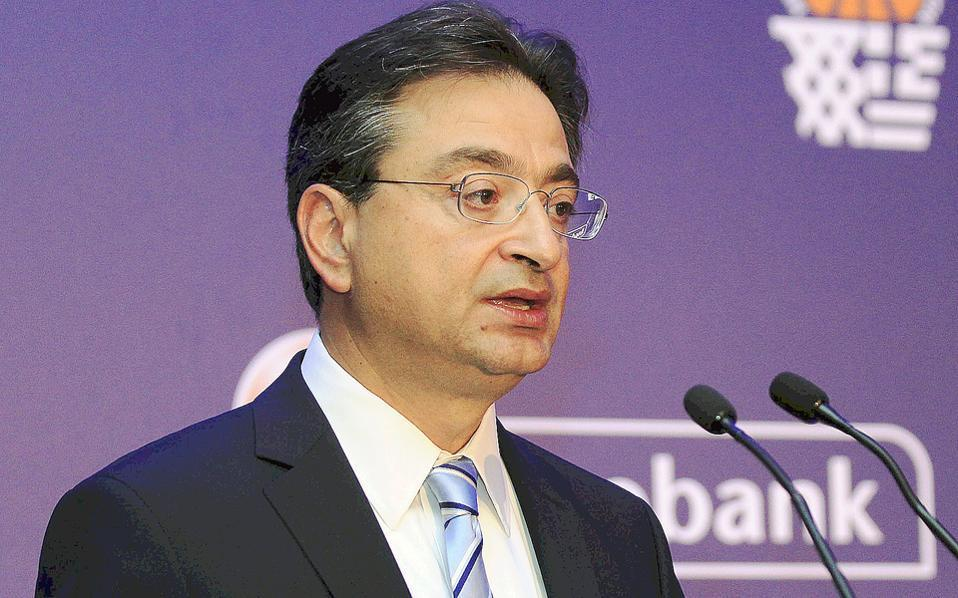 Φωκίων Καραβίας. Ετων 52. CEO Eurobank