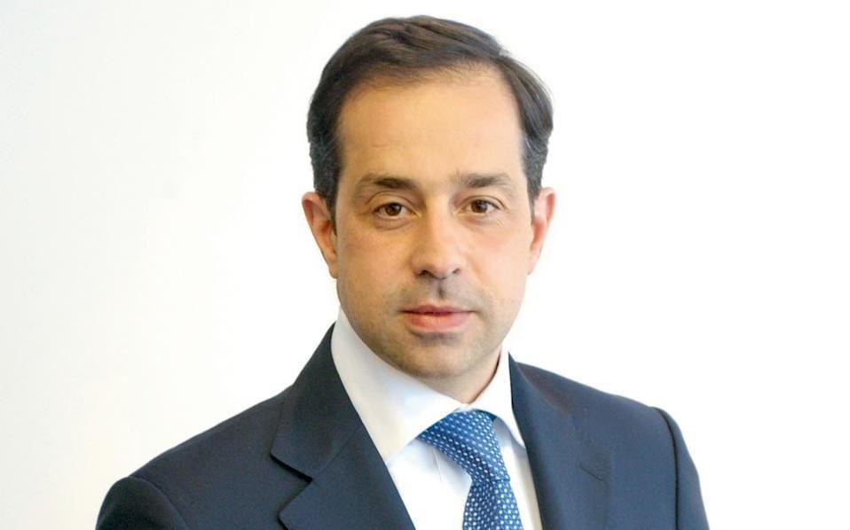 Άνθιμος Θωμόπουλος, ετών 52. Διευθύνων σύμβουλος Πειραιώς