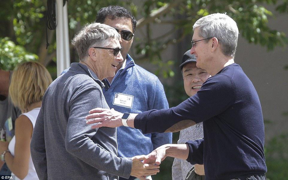 Bill Gates - Tim Cook