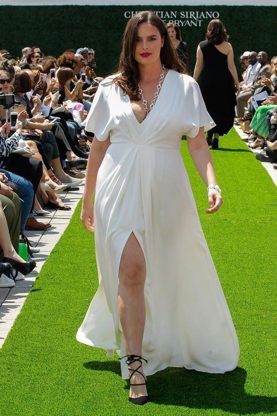 Γιατί η βιομηχανία των Plus- size ρούχων θα φέρει την επανάσταση ... f502c1c8f81