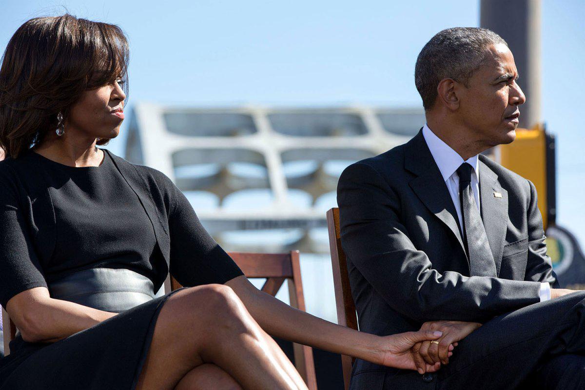 barack-obama-michelle-obama-love-story-romance-photos-24