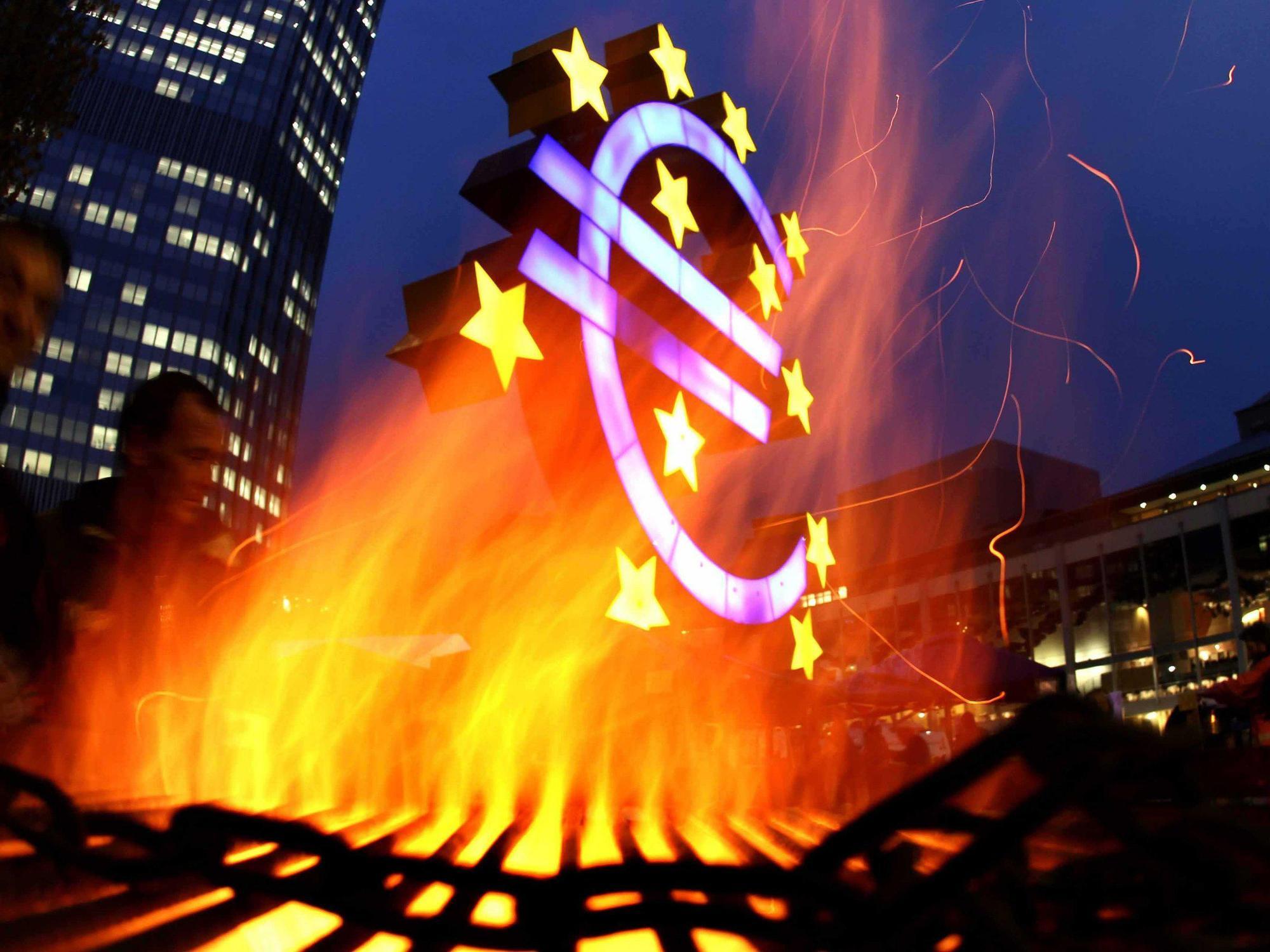 stock-euro-burning-ecb-1