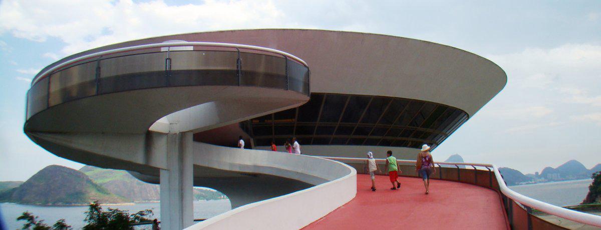 the-niteri-contemporary-art-museum-mac-in-rio-de-janeiro-brazil