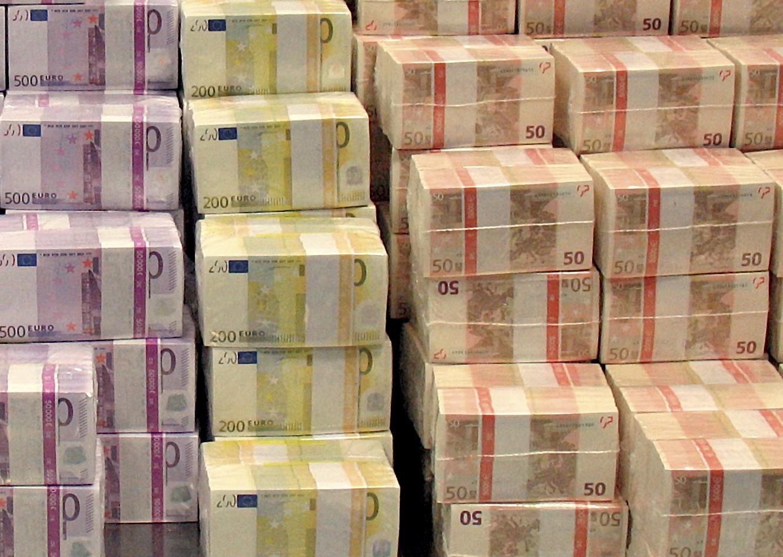 Euro-Bills-e1405327571821