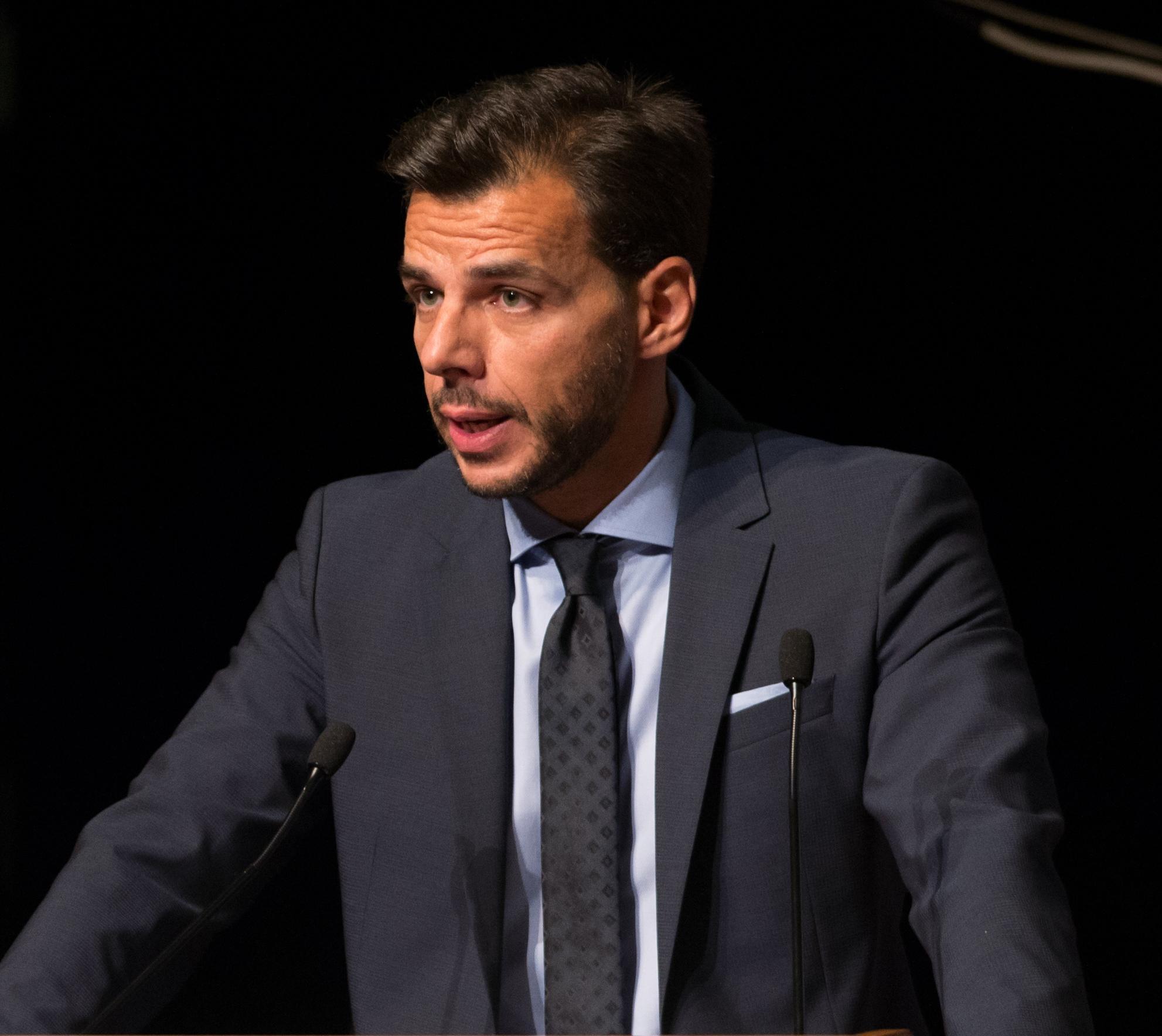 Δρ Βασίλης Αποστολόπουλος. Διευθύνων Σύμβουλος Ιατρικού Κέντρου