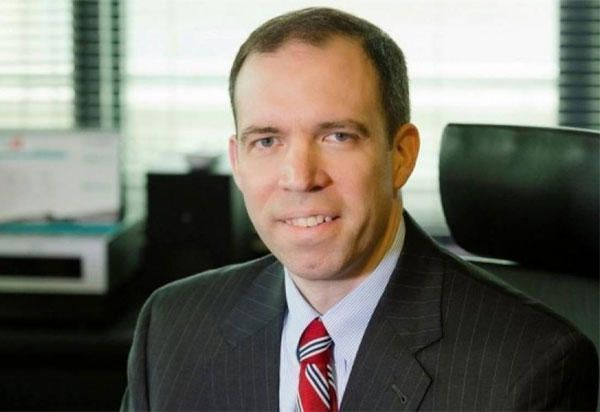 πρόεδρος του PIF,  κ. Jim Sage