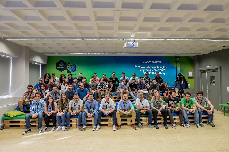 Όλα τα μέλη των 14 ομάδων της τελικής φάσης του COSMOTE HACKATHON