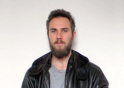 Μώρης Πέτρος, εικαστικός/ Πηγή φωτογραφίας: athensvoice.gr