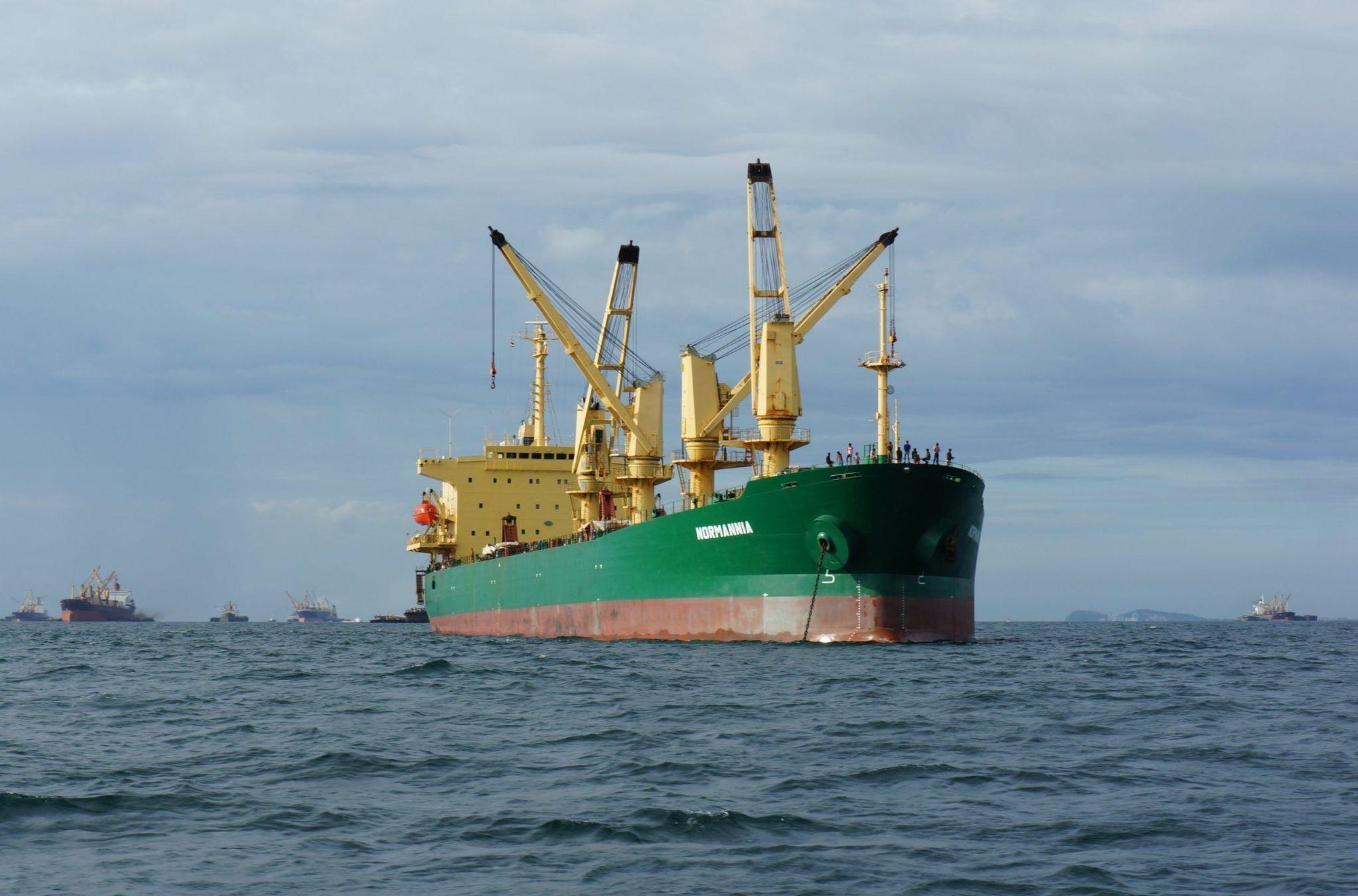 Bulker ναυτιλία ναυλαγορά