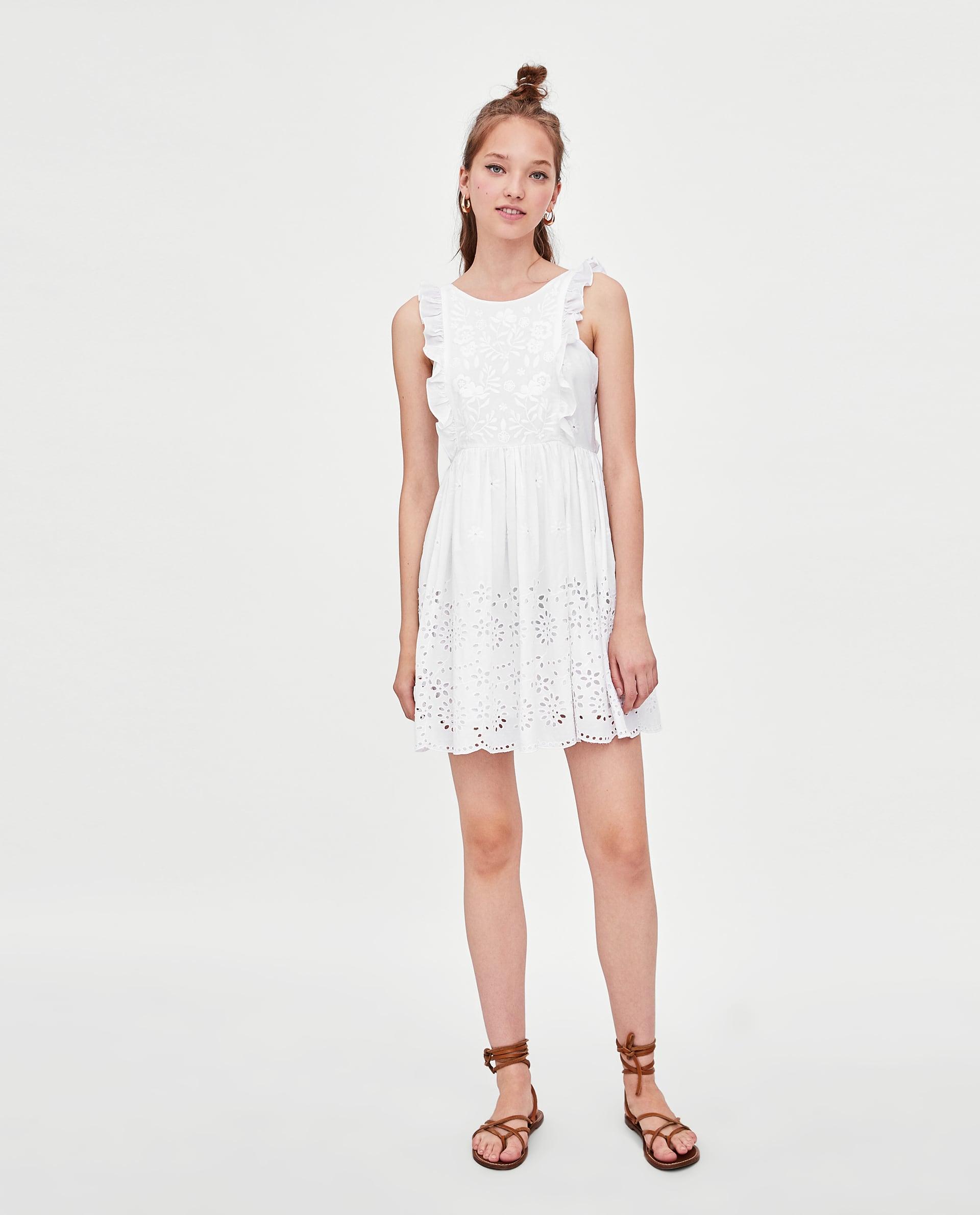 da260f69e8ca ZARA: 10+1 λευκά φορέματα για το καλοκαίρι   Economy 365