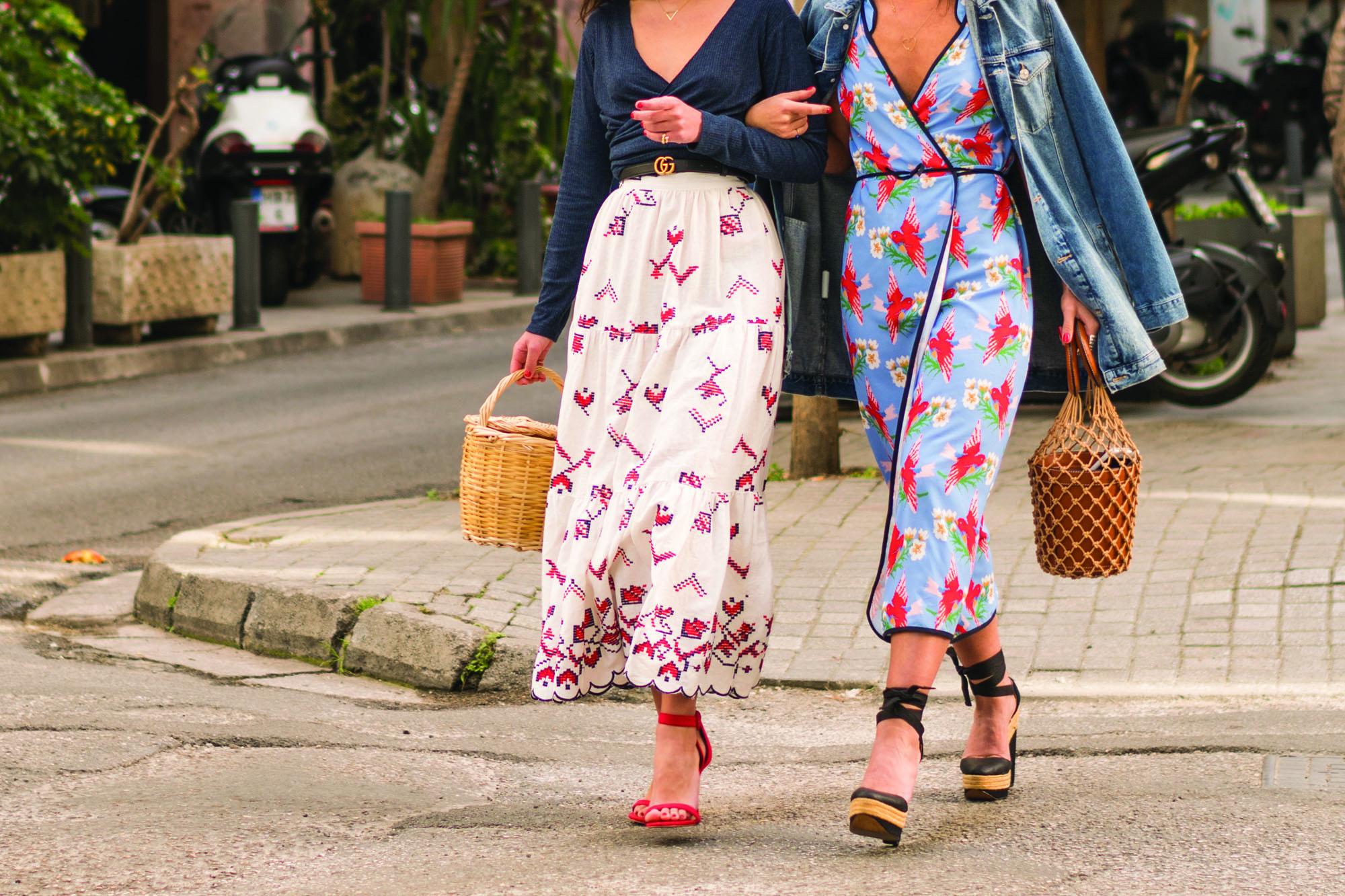 2dbeb2091326 Οι συλλογές του ελληνικού brand Karavan Clothing αποτελούνται από χειροποίητα  ρούχα