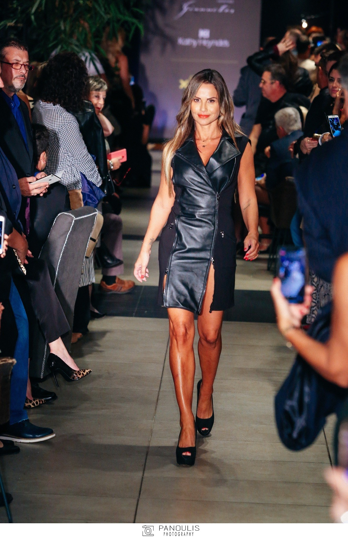 Kathy Heyndels - Giannetos Handmade  Ένα fashion show με όμορφες ... 853343f4b2d